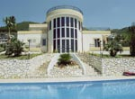 Foto villa con piscina